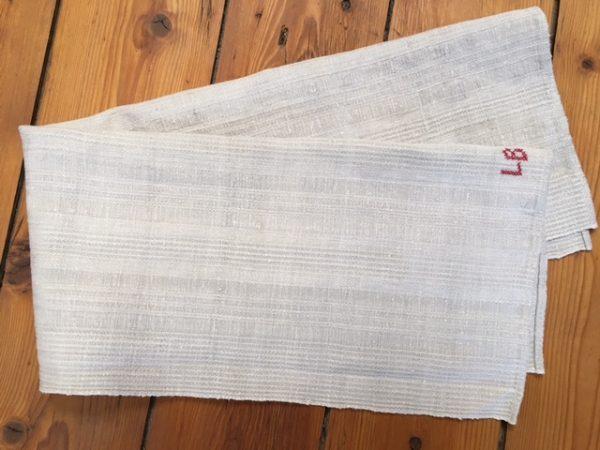 Leinen-Handtuch hellgrau. Leinen-Geschirrtuch, Tischläufer